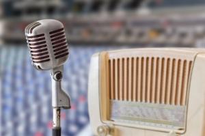 micrófono más un banco