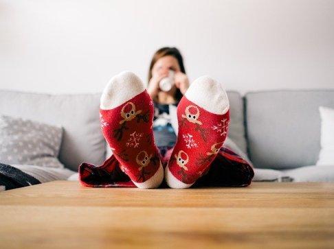 Pies calcetines no hacer nada hiperactividad coronavirus psicologo gijon confinamiento